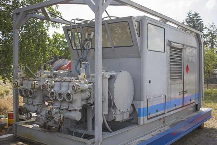Twin-Pump-Skid-for-sale-in-Europe-1.jpg